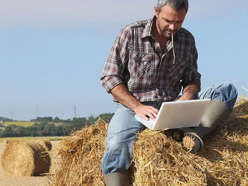 Νέα Δημόσια Ινστιτούτα Επαγγελματικής Κατάρτισης για τους αγρότες