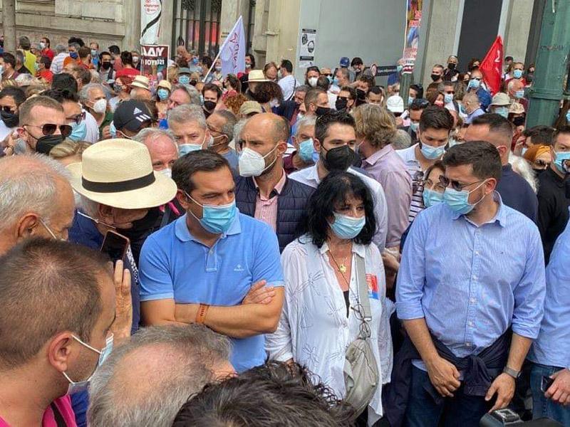 «Η Άννα Βαγενά στο πλευρό του Αλέξη Τσίπρα στο μεγαλειώδες παλλαϊκό συλλαλητήριο ενάντια στο αντεργατικό έκτρωμα της Κυβέρνησης»