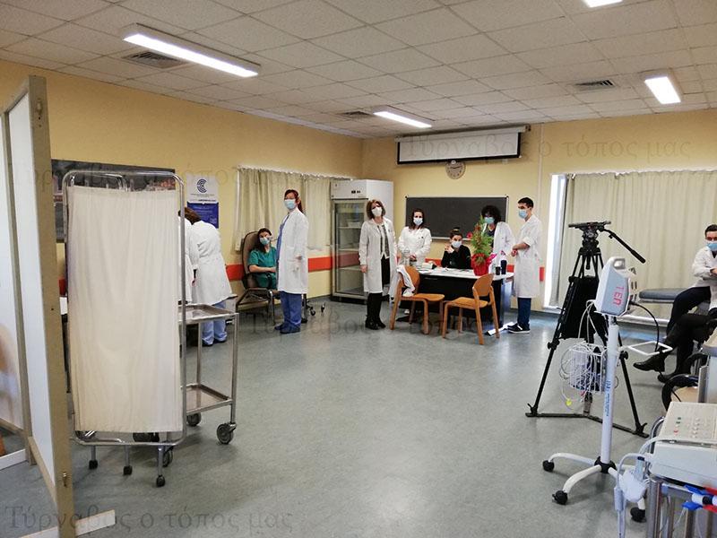 Κορονοϊός: Άνοιξε σήμερα η πλατφόρμα για τον εμβολιασμό των 70-74