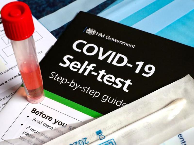 Άρχισε ο εφοδιασμός των φαρμακείων με self test