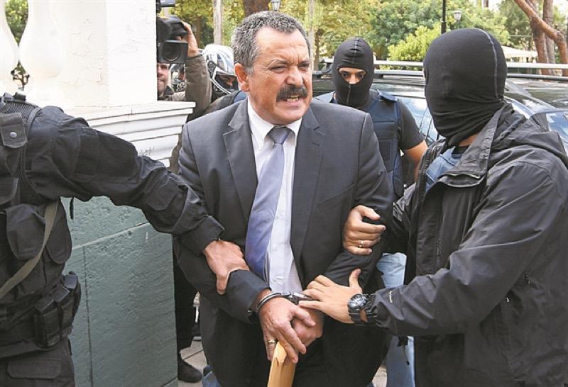 Συνελήφθη ο υπαρχηγός της Χρυσής Αυγής, Χρήστος Παππάς σε διαμέρισμα στου Ζωγράφου.